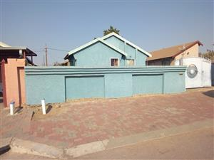 3 BEDROOM HOUSE FOR SALE IN MABOPANE BLOCK X ext