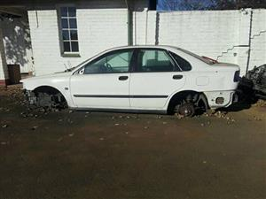 VOLVO S40 SPARES FOR SALE
