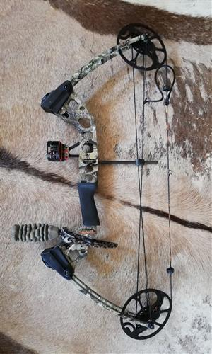 Mission by Mathews Craze Compound Bow for sale. Kit included.