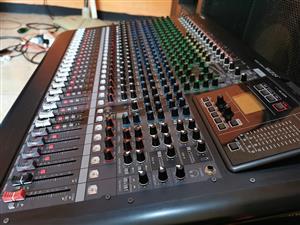 Yamaha MGP24X 24-Channel Analog Mixing Console