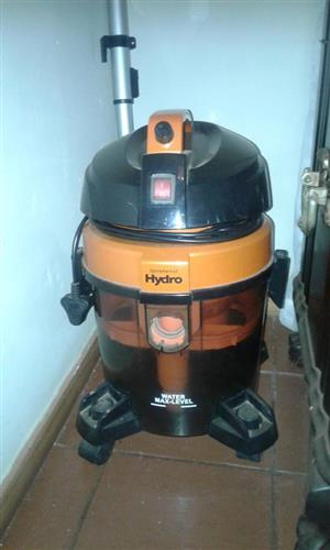 WATER FILTER SYSTEM VACUUM CLEANER