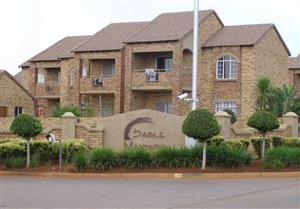 Corner Top  2 Bedroom Simplex is situated in a popular double security estate!  NO AGENTS!