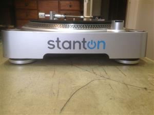 In Brand New Condition Stanton T50B-220 Turntables for Sale...