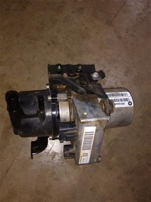 Jeep Grand Cherokee CRD WK2 3L Power steering pump
