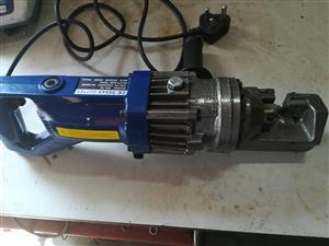 Electric/ Hydraulic Rebar cutter - Cuts up to 20mm Rebar.