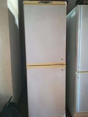 Defy Upright Freezer 400l
