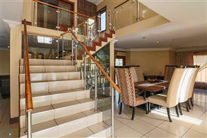 5 Bedroom, Spacious Family Home Located In The Sort After Six Fountains Estate On Auction!