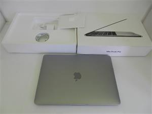 MacBook Pro 13-inch 2017 and Bag