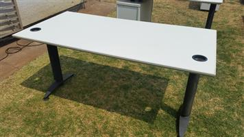 8x Tables for sale