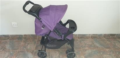 PRAM & SAFETY CHAIR TRAVEL SYSTEM FOR SALE