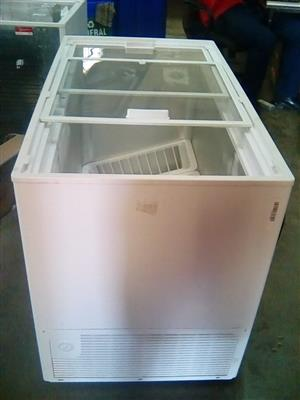 Display Deep freezer Defy 319 ltr