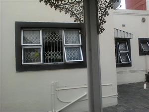 Spacious Granny cottage to rent in Seaview Queensburgh R6500pm