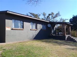 8 km outside Nelspruit - 3 bedroom house