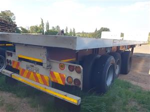 2006 Paramount Tri-axle Flatdeck Trailer - (Viewing by appointment)