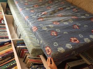 2 Enkelbed Spons matrasse te koop