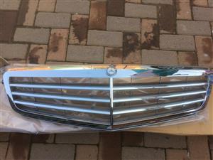 Mercedes Benz W204 Elegant Front Grill (Original)