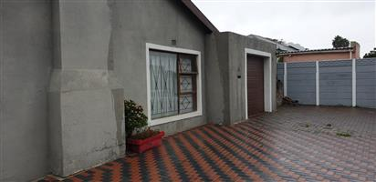 3 Bedroom House for sale in Kuilsriver