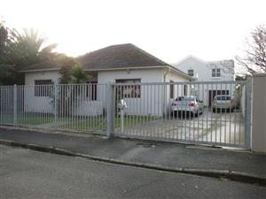 Parow East, Fairfield Estate: 3Bed House  and 2Bed Duplex free standing,