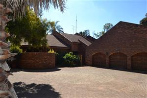 WILBOTSDAL R2150000 Adjacent to town passive rental income plus land to use price reduced to sell !