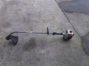 Ryobi 31cc Petrol weed eater (line trimmer) in excellent condition