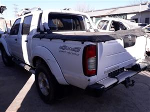 Nissan Hardbody 3.0 D/C 4x4 - 2003 - Stripping for spares