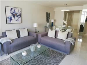 Perfect Position, 2 Bedroom - Stunning Apt with Garage - in Sea Point - For Sale