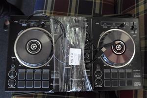 Pioneer DJ DDJ-RB Performance Controller