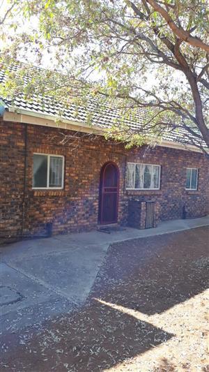 Leeupoort Lieflike 4 slpk Dubbelverdieping te huur vir vakansies naby Thabazimbe limpopo