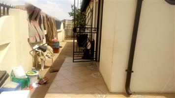 3bed house 2 rent lotus phase 3 R6000