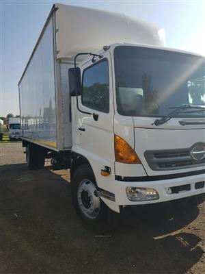 2014 Hino 500, 1626 Closed Body truck for sale