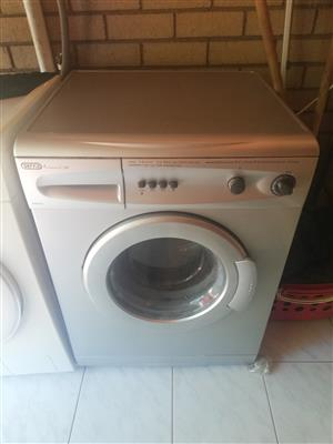 Defy silver washing machine R1899 price not negotiable in perfect cond