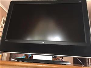Large 42 inch Fhd Tv With Built In SoundBar : Teac