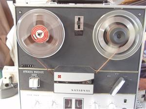 Vintage National RS-760S Reel to Reel Tape Recorder - In good working Order