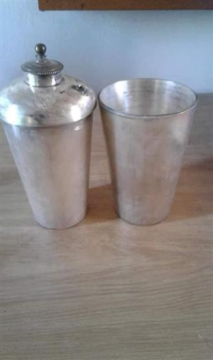 Silver drinking cups with lids