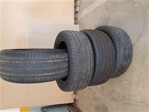 Set of 4 Pirelli Scorpion run flat tyres 295/45/R20