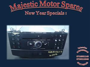 M/BENZ SECONDHAND W204 RADIO FOR SALE..