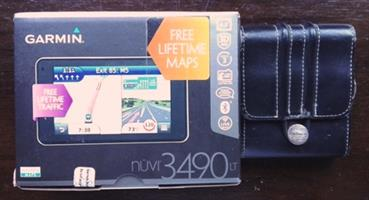 Garmin Nuvi 3490 LT Navigator with free Lifetime maps and pouch.