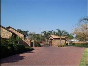 Price Reduced - Pet-Friendly Townhouse in Monument Park, Pta-East