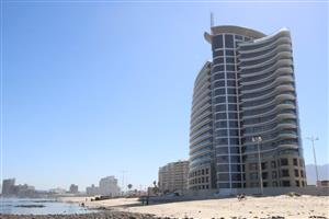 Liquidation Auction: 2 Bedroom Apartment with breathtaking sea views, Strand, WC