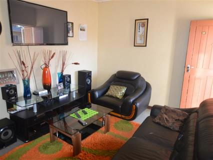 Great Apartment For The Small Family Or Sasol Worker! Very Well Priced!!