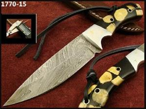 Handmade Damascus Steel Hunting Knife