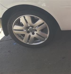 """vw rims met tyres """"swop"""""""