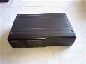 SANYO FXD-C100 6CD CHANGER