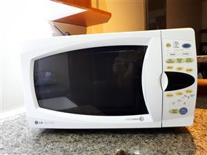 LG Intellowave 28L Microwave