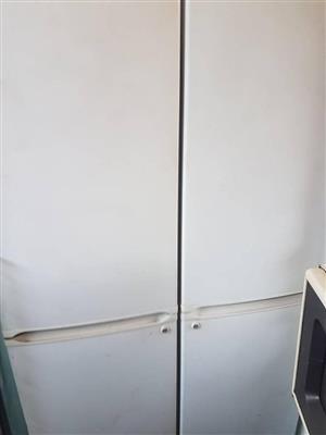 Dubbel door fridge freezer