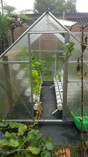  INSULATED GREENHOUSE