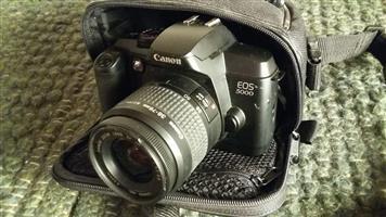 EOS 5000 35mm Film Camera with 1 lens and camera bag R590