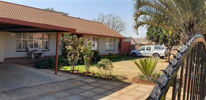Spacious 3 bedroom house in a secure full title estate