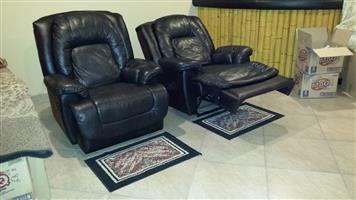 2x La-Z-Boy chairs