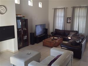Modern 3 bedroom house in Parklands North R 16500
